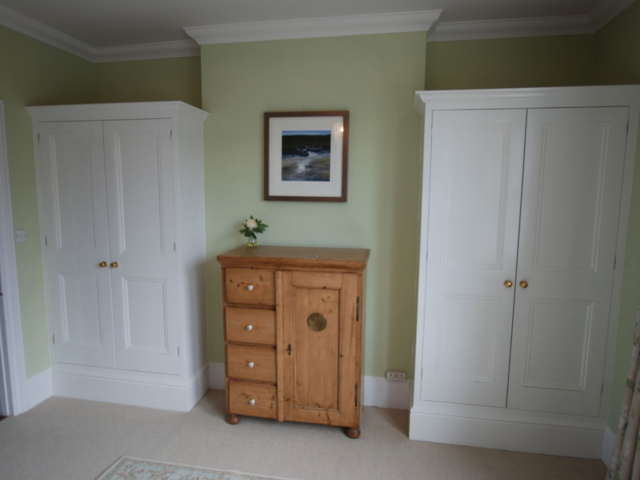 c bespoke fitted white wardrobes