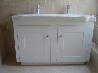 Bespoke free-standing bathroom vanity unit