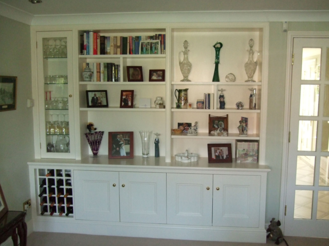 Bespoke fitted dining room storage units