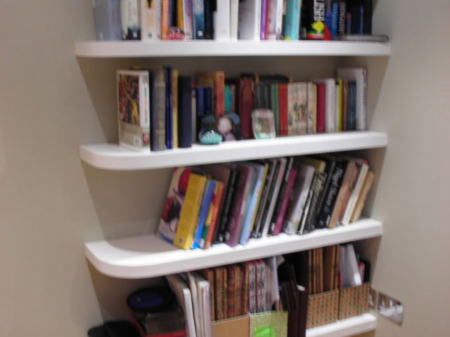 Custom-made fitted shelving