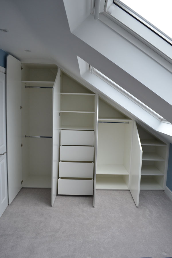 Fitted wardrobe and shelving