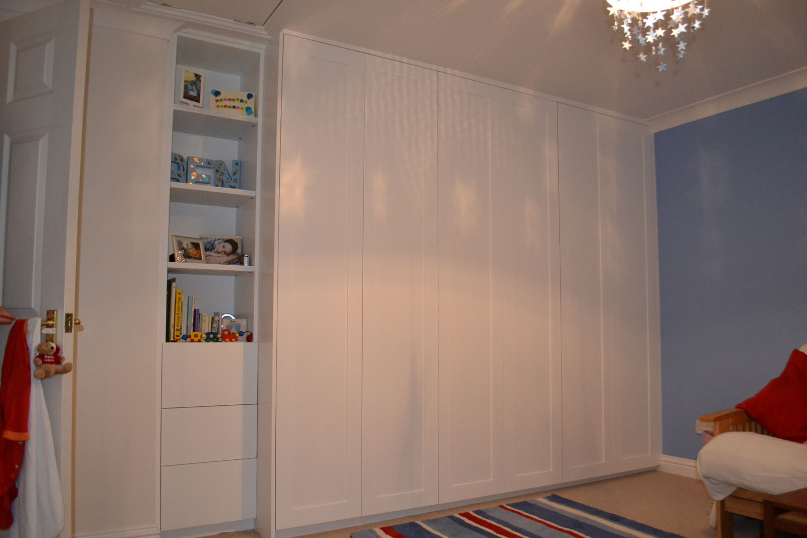 White made to measure fitted wardrobes