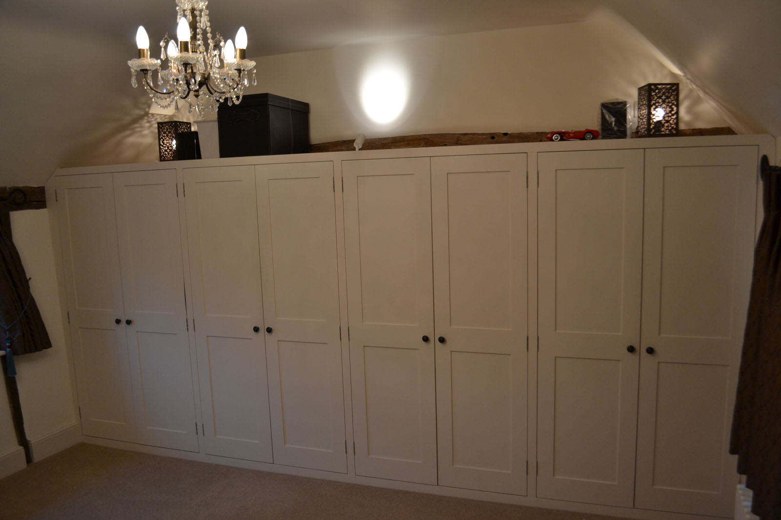 Traditional bespoke fitted white wardrobes