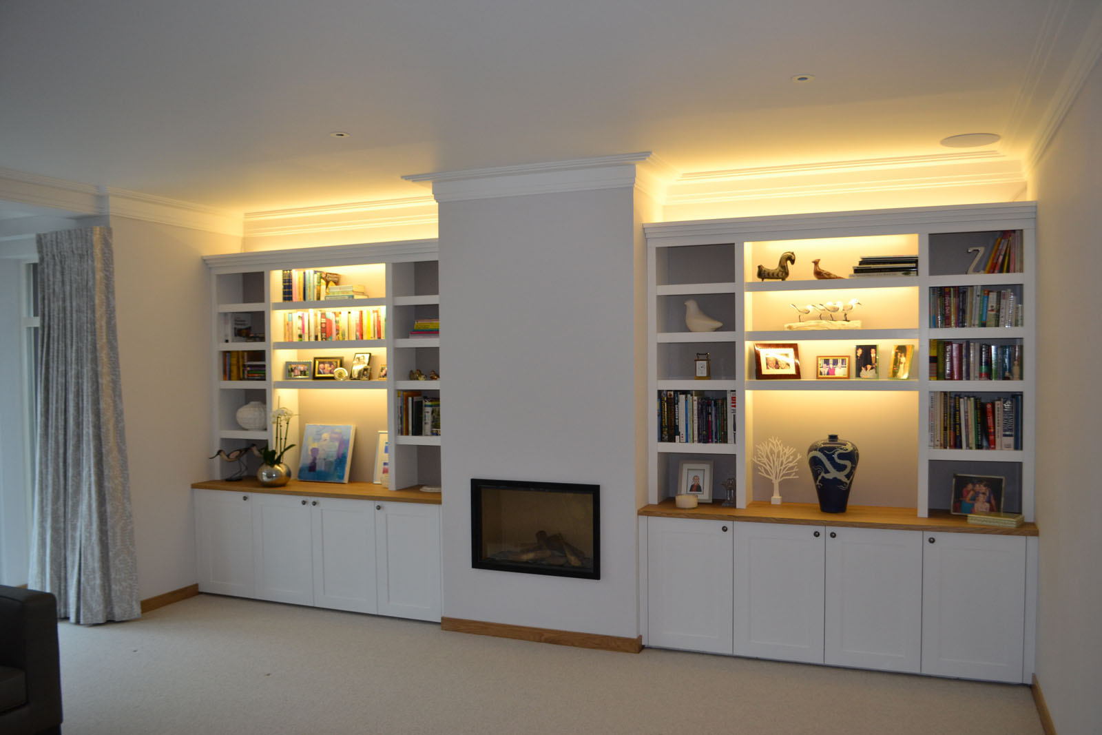 Bespoke made to measure fitted storage units & Acorn Bespoke Carpentry - Bespoke fitted furniture Surrey Sussex
