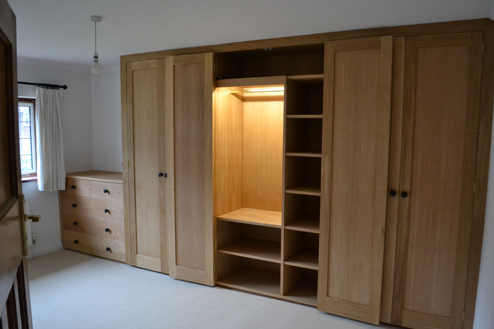 Bespoke built-In wardrobes
