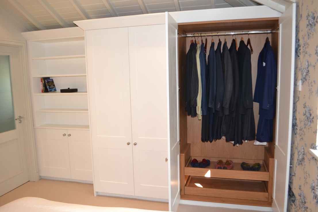 bespoke fitted wardrobes surrey and sussex acorn. Black Bedroom Furniture Sets. Home Design Ideas