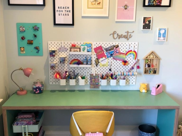 Made to measure free standing children's desk